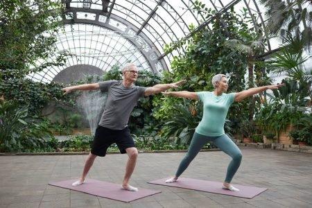 idosos exercício físico yoga