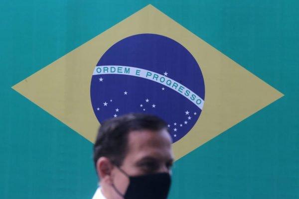 Governador João Doria em entrega de novo lote da Coronavac
