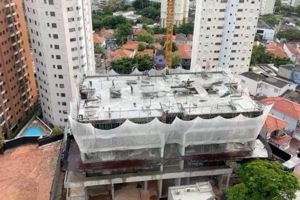 Obra em prédio da construtora Even na cidade de São Paulo