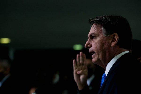 Presidente Bolsonaro faz pronunciamento sobre o novo auxílio emergêncial.
