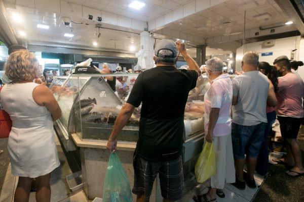 peixaria na feira do Guará