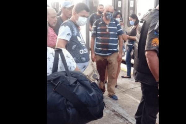 Troca de tiros dentro de trem deixa mulher morta no Rio
