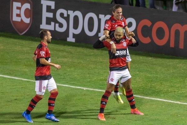 Flamengo goleia o Madureira