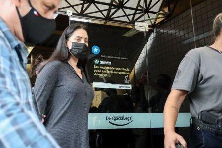 Monique Medeiros mãe do Henry são presos por morte do menino no Rio