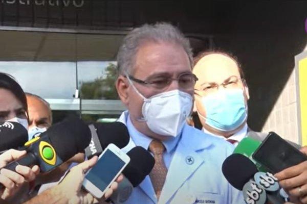 Marcelo Queiroga fala com jornalistas em Porto Alegre (RS)