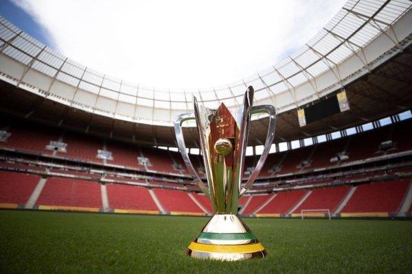 Taça da Supercopa no Mané Garrincha