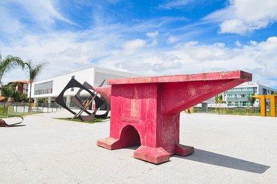 Museu de Arte de Brasília recebe primeiras esculturas para reabertura