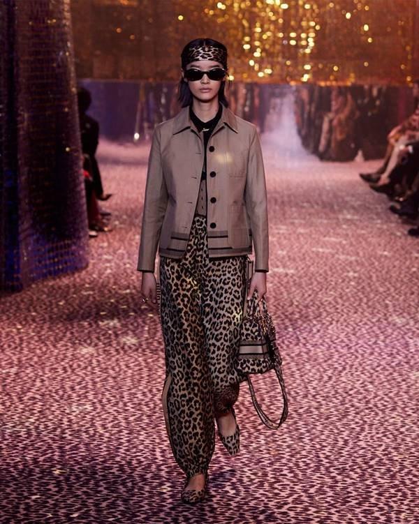 Look do Pre-fall 2021 da Dior em Xangai
