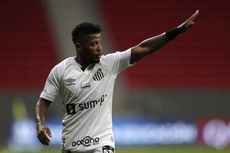 Marinho em jogo do Santos no Mané Garrincha