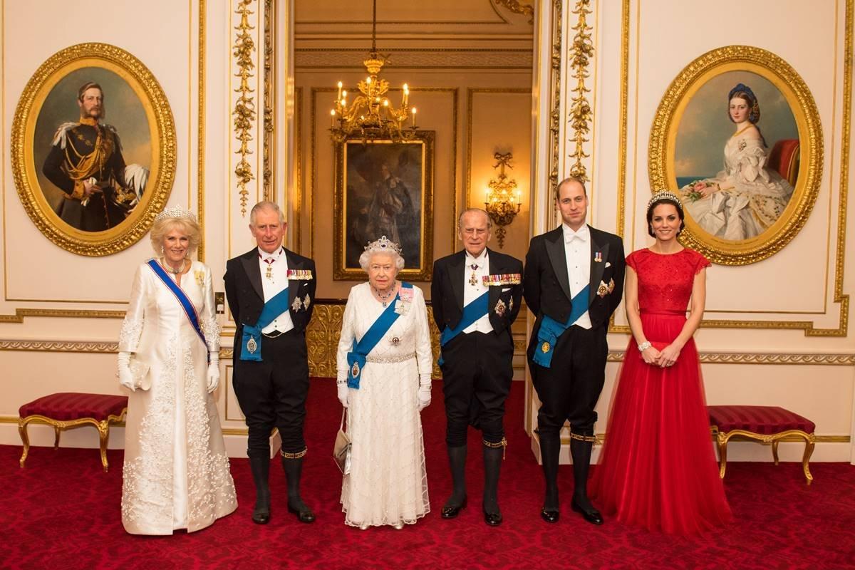 Camilla Parker, Charles, rainha Elizabeth II, príncipe Philip, William e Kate Middleton