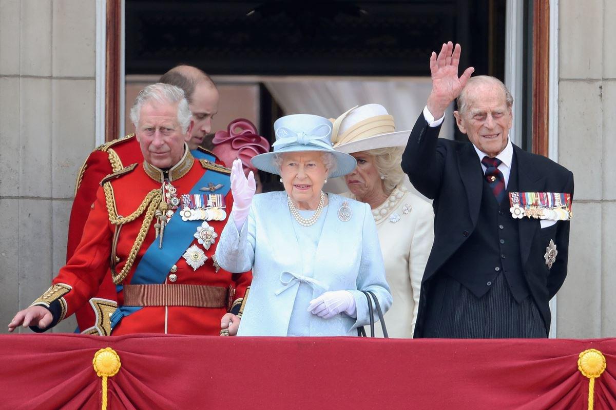 Charles, rainha Elizabeth II e príncipe Philip