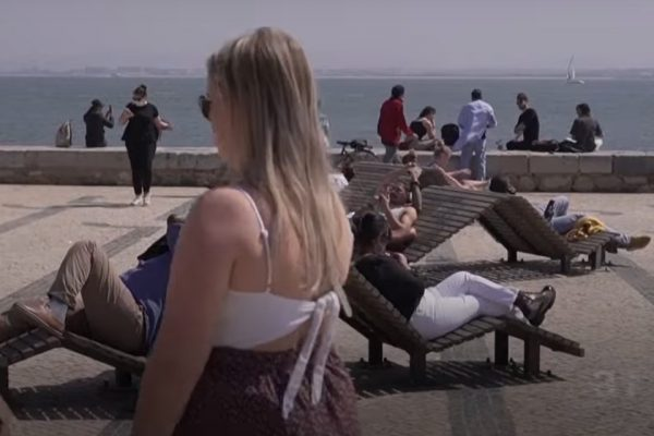 Portugal reabre comércio e atrações depois de confinamento