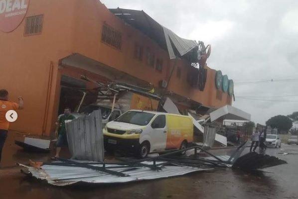 goias fachada de supermercado destruída após forte chuva em formosa