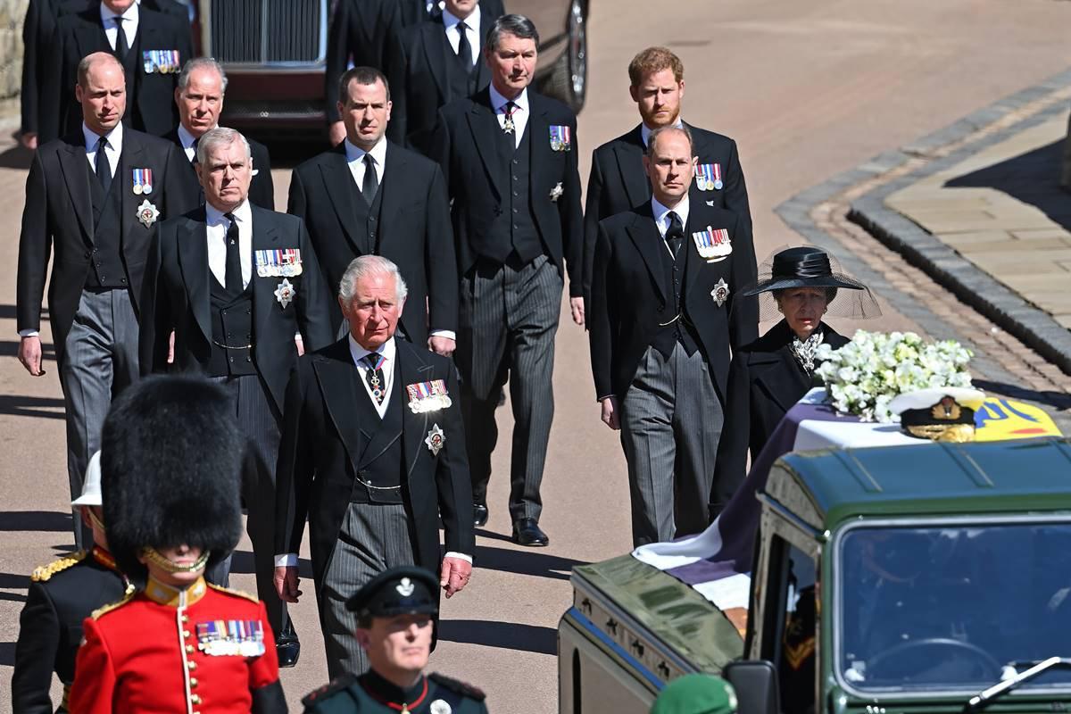 Príncipe Charles no funeral de Philip