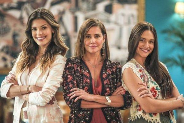 Alexia (Debora Secco), Kyra (Vitória Strada) e Luna (Juliana Paiva) em Salve-se quem puder