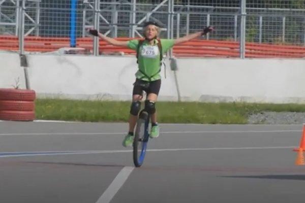 Recordista alemã de monociclo