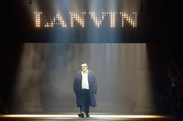Albert Elbaz alla sfilata di Lanvin