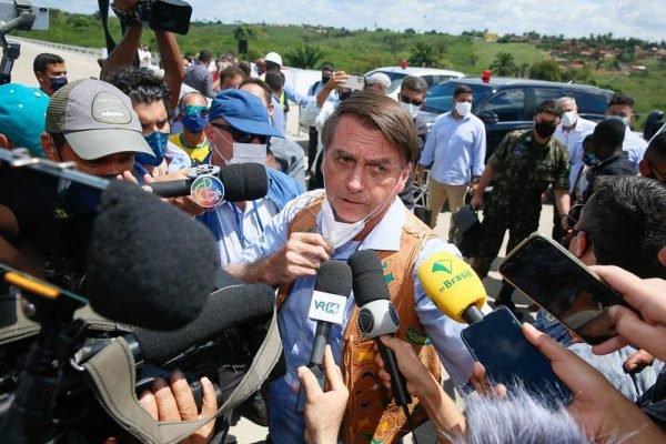 Presidente da República Jair Bolsonaro fala com a imprensa