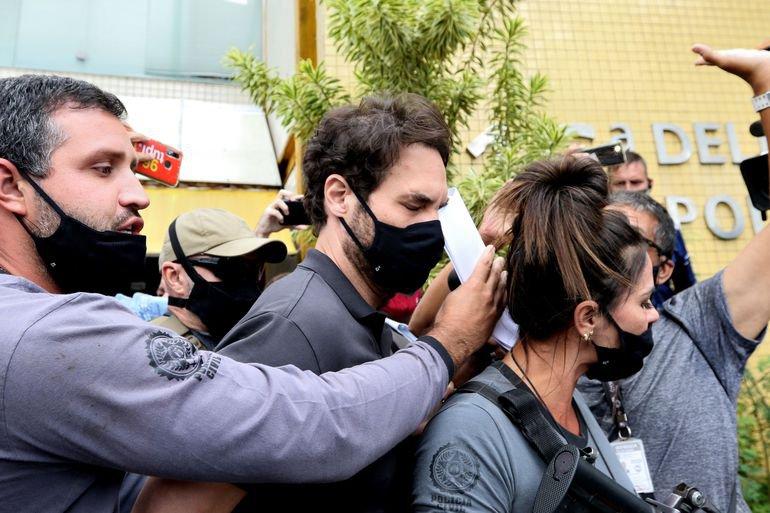Jairinho, padrasto de Henry Borel Medeiros, ao ser preso no dia 8 de abril
