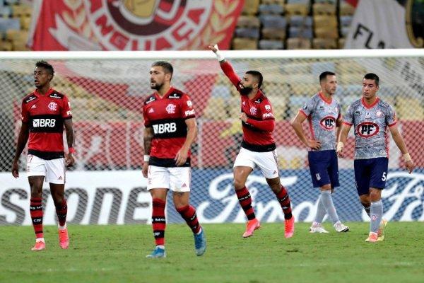 Gabigol marca na vitória do Flamengo na Libertadores