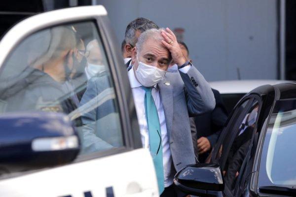 São Paulo - Ministro da Saúde Marcelo Queiroga evitou falar com a imprensa em dia que Brasil atinge marca de 400 mil mortos (2)