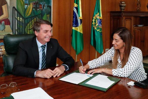 Bolsonaro e Flávia Arruda