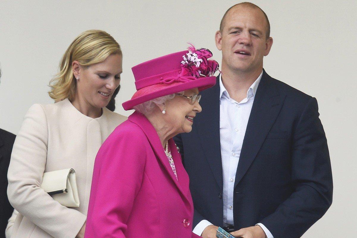 Zara Tindall, Mike Tindall e rainha Elizabeth II