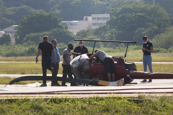 Queda de helicóptero no Aeroporto Campo de Marte, em São Paulo