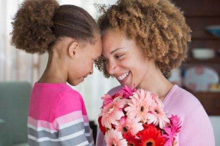 mãe e filha flores