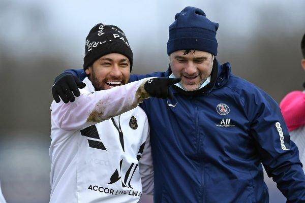 Neymar e Pochettino abraçados
