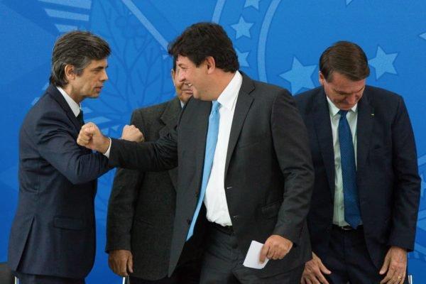 Nelson Teich e Mandetta durante posse no governo bolsonaro