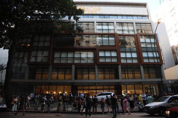 Fachada do Hospital Copa Star, no Rio de Janeiro, onde está internado o humorista Paulo Gustavo desde o dia 13 de março com um quadro de Covid-19