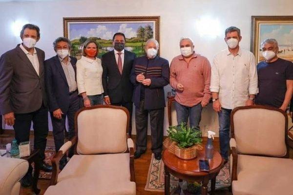 Lula se reúne com senadores em Brasília
