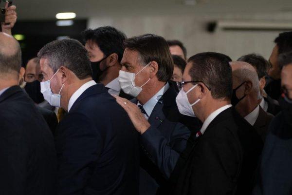 Presidente Jair Bolsonaro chega à exposição de demonstração das aplicações práticas do uso da nova tecnologia 5G no Brasil