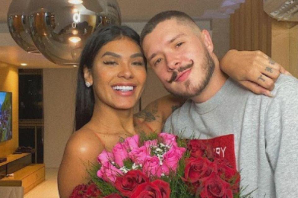 Pocah e Ronan Souza, seu noivo