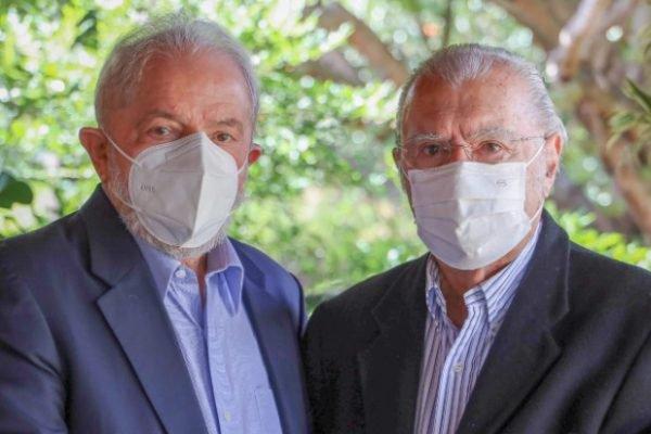 Ex-presidentes Luiz Inácio Lula da Silva (PT) e José Sarney (MDB), em Brasília