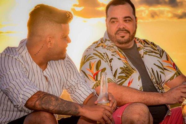 Saulo e Rafael, casal homoafetivo de Anápolis (GO), que recebeu ameaças de morte depois que anunciou a realização do casamento