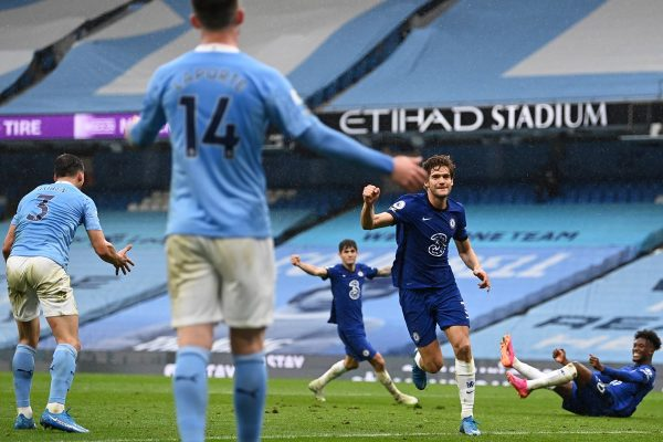 Manchester City x Chelsea Marcos Alonso
