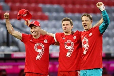 Lewandowski, Muller e Neuer Bayern de Munique