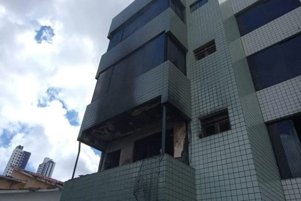 Apartamento pega fogo em João Pessoa