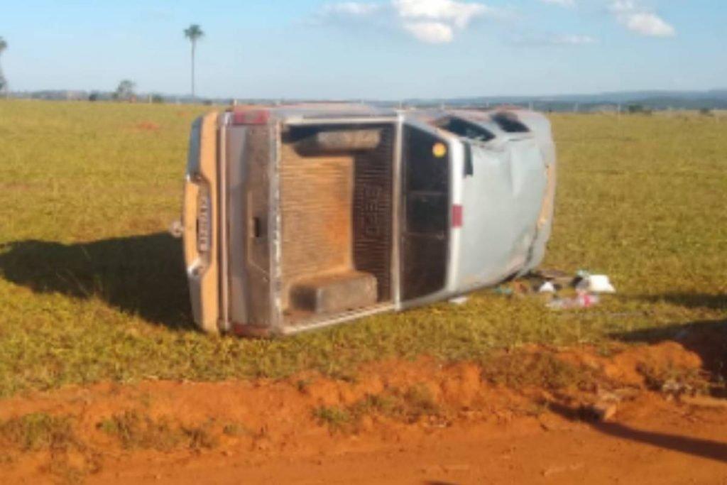 Modelo Taynnara Melo morre em acidente de carro em goiás