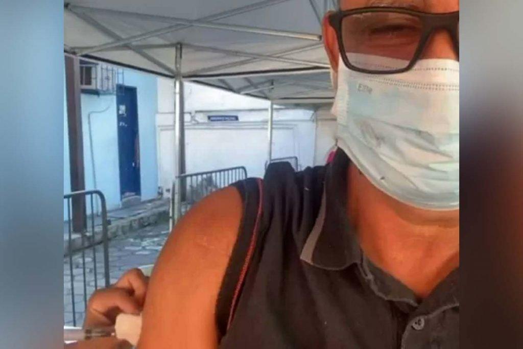 Fabrício Queiroz recebe vacina contra Covid-19