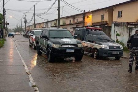Viaturas e policiais na Paraíba