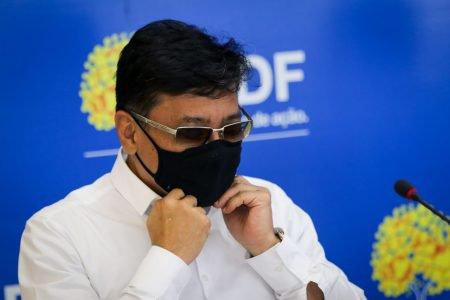 Osnei Okumoto, secretário de Saúde do DF