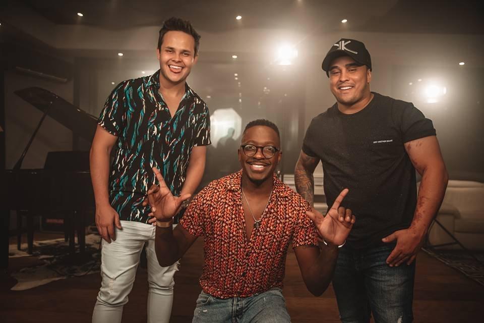 Mumuzinho em estúdio com Matheus e Kauan