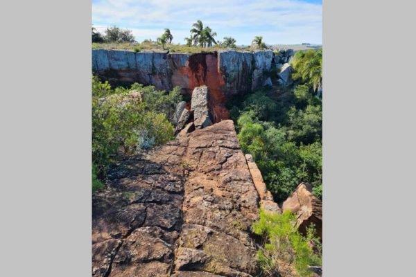 Ponte natural de pedra desaba no RS