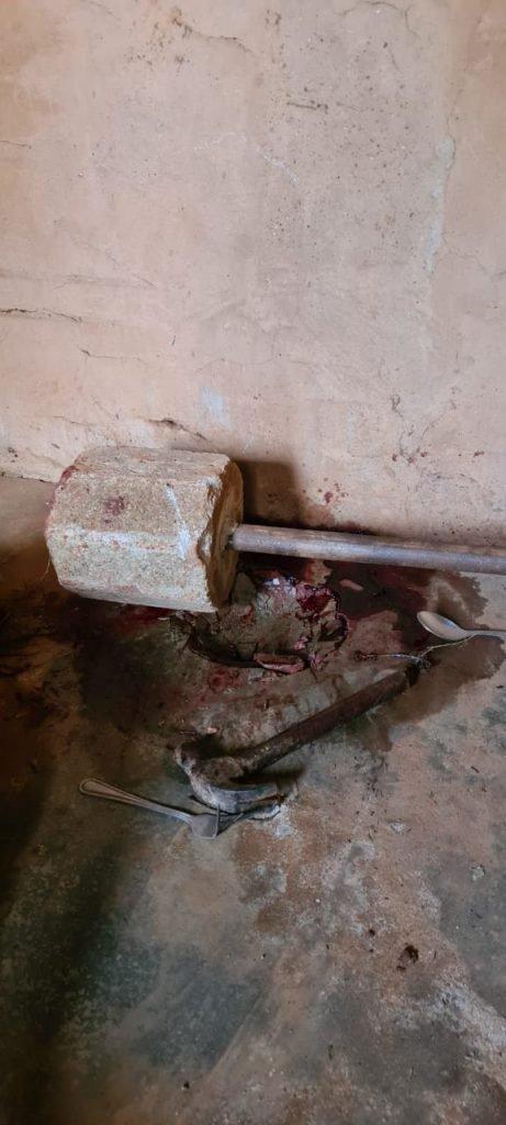 Alegando ouvir voz do diabo, homem mata mãe com martelo, garfo e faca