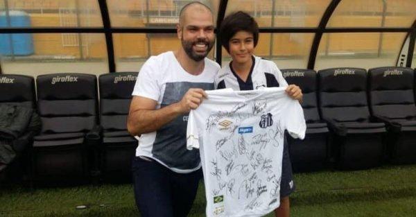 Bruno Covas e o filho Tomás Covas, torcedores do Santos