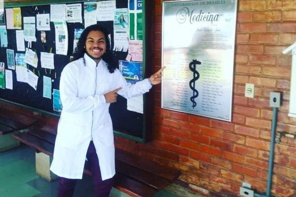 Jovem pensa em desistir de medicina na Unb após mãe ficar desempregada