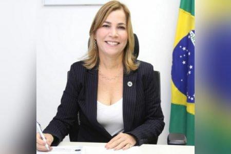 Secretária Mayra Pinheiro, a
